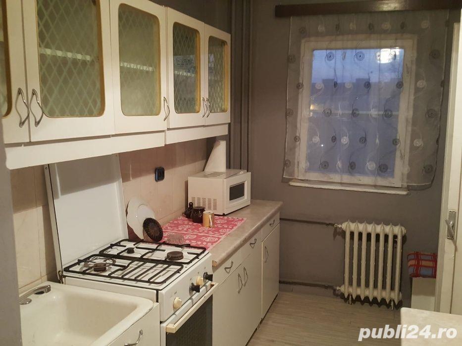 Gheorghe Lazar,apartament 2 camere,cf 1,decomandat,et 3,pret 62 000 euro