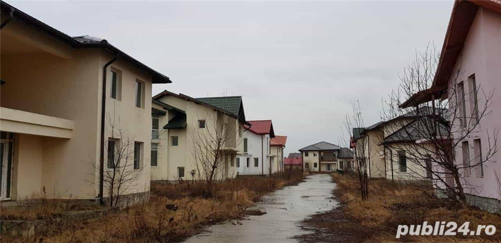 Vand vile in snagov cu suprafata intre 150 metri și 260 metri la 99000 euro 500 metiri teren