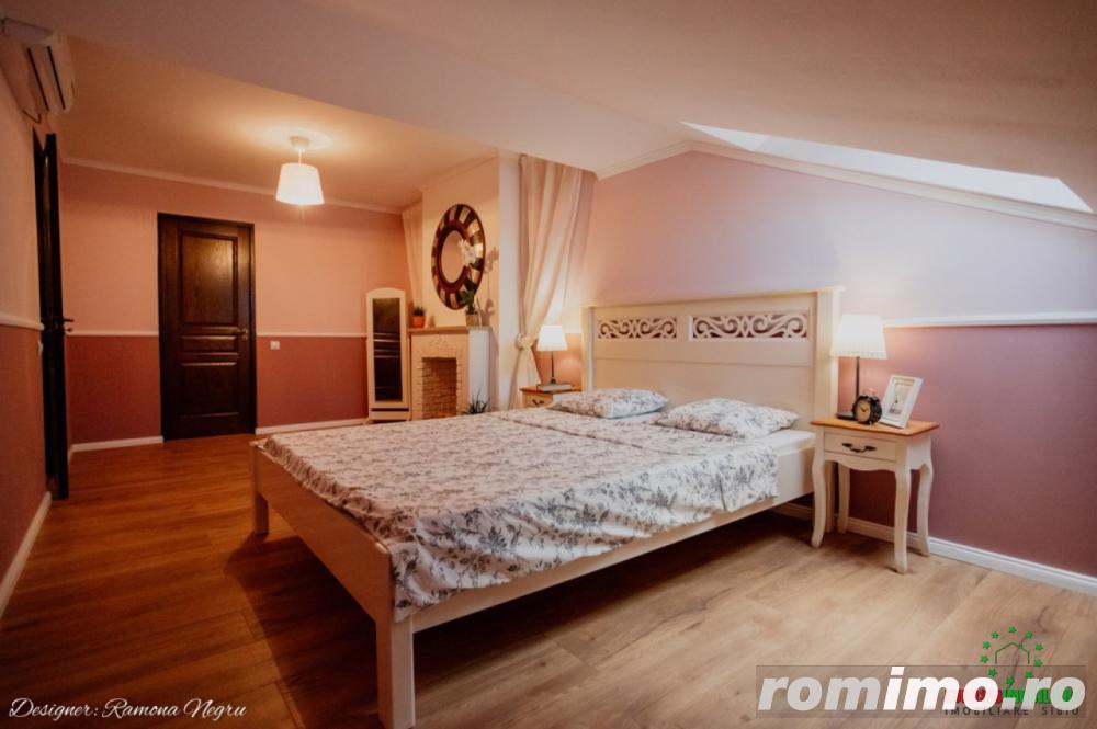 Apartament de vanzare cu 3 camere decomandate zona Strand