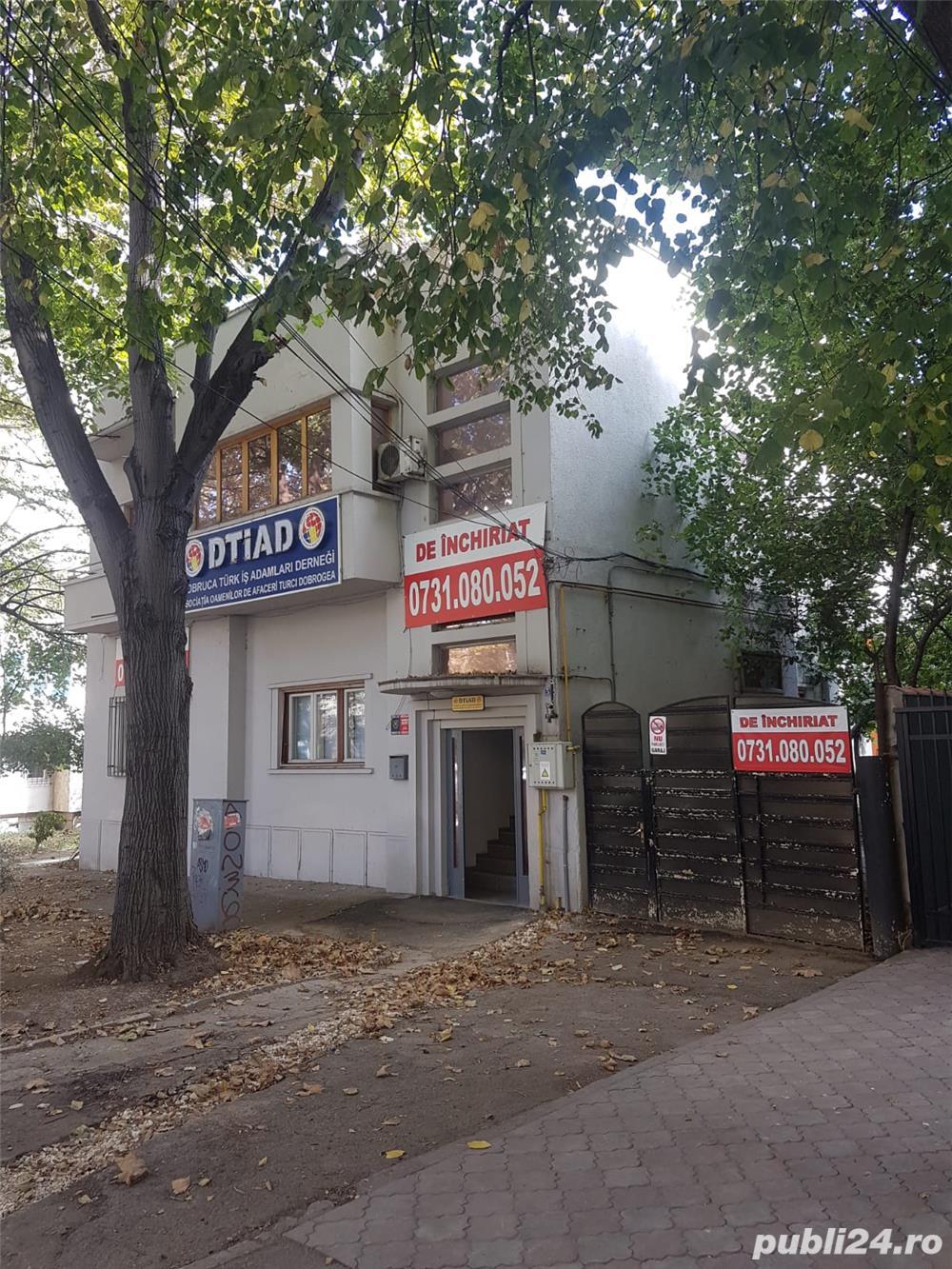 Capitol Bd.Mamaia intersectie cu Mircea - Parter de vila 135mp + curte