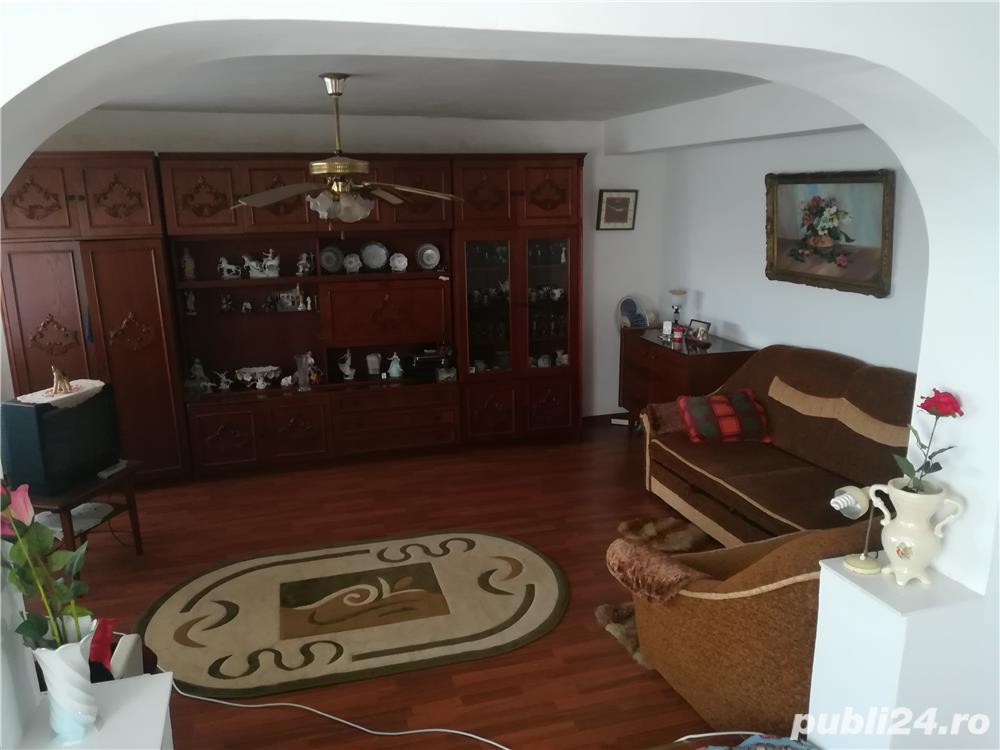Casa cu 1300mp Pecineaga la 10km de statiuni si 15km de Mangalia