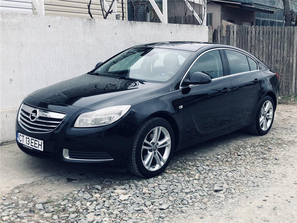 Vând/schimb Opel Insignia cu auto sau teren +/- diferenta