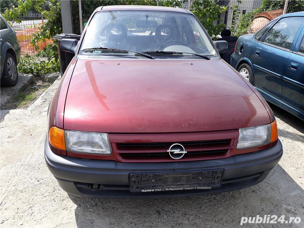 Dezmembrare Opel Astra F