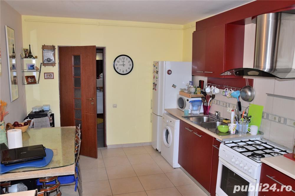 Apartament zona Mol