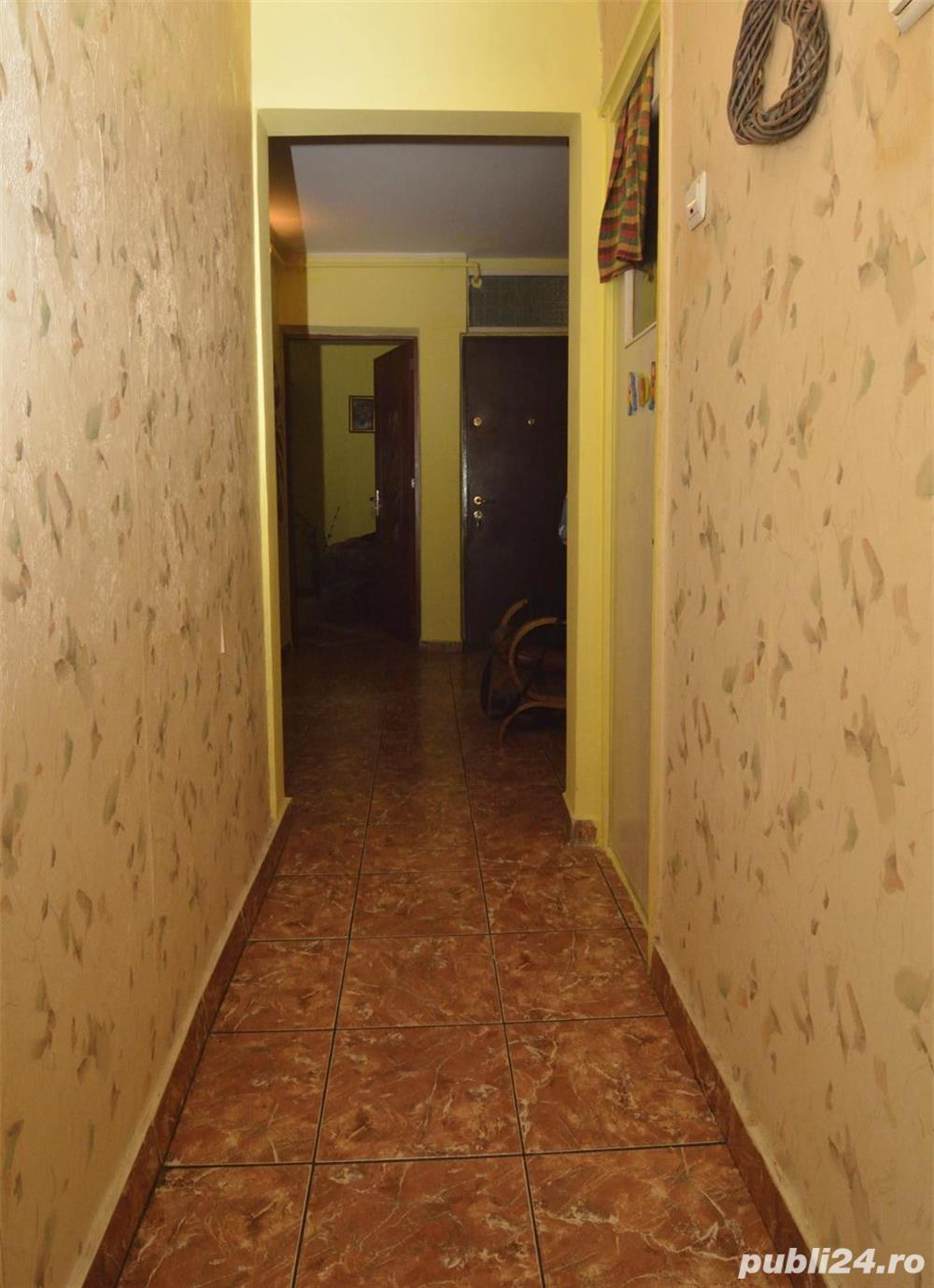 Apartament 3 camere 5m Mega Mall
