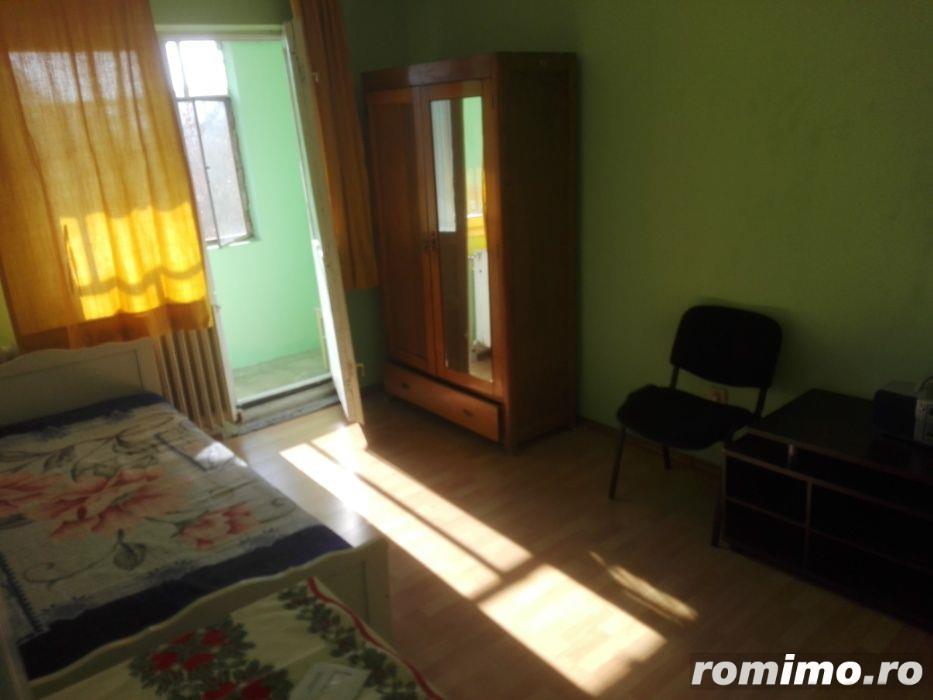 Inchiriez apartament cu o camera, in zona Girocului