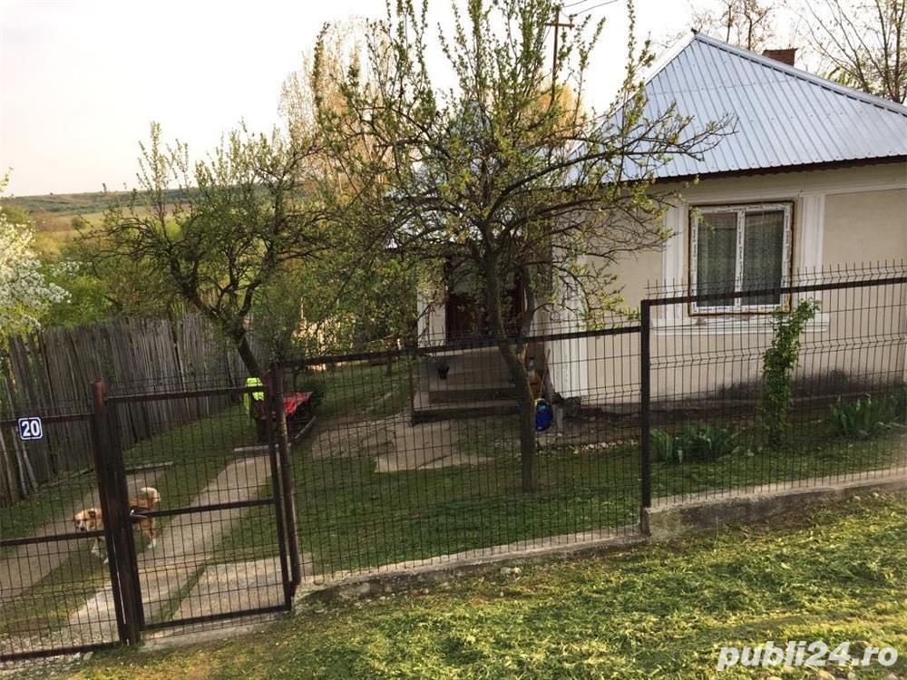 Vand/schimb casa in orasul Potcoava, judetul Olt, stradal, utilitati la poarta