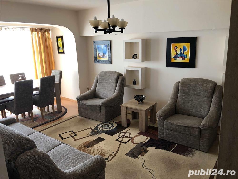 Apartament de exceptie, cu 4 camere, Bacau, direct de la proprietar, modernizat, curat, spatios