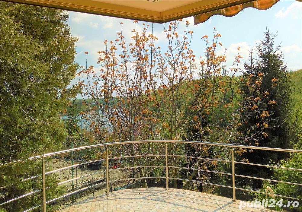 Urgent, scadere pret, vila de arhitect, pe malul lacului, intre doua paduri, 10 km de Bucuresti