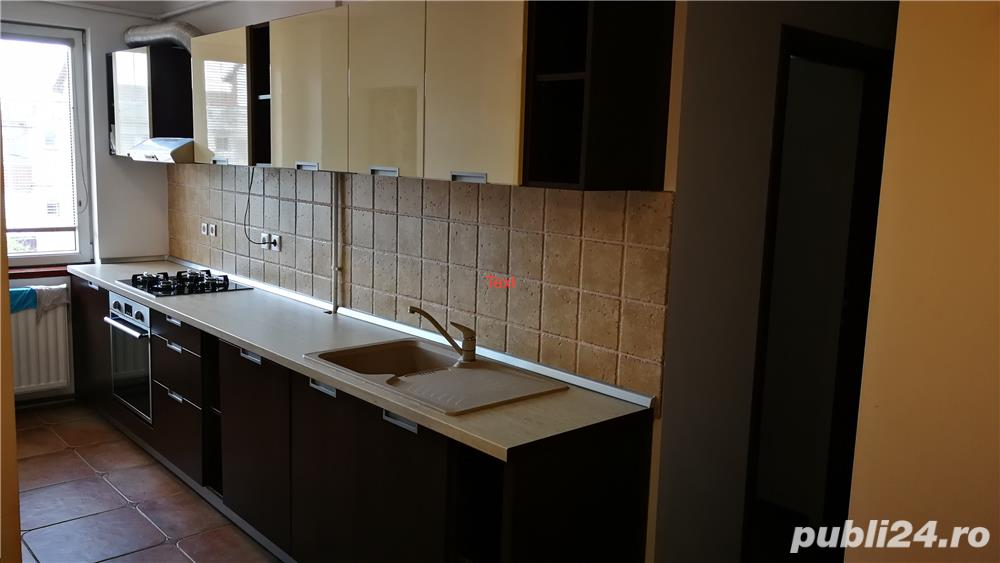 Proprietar vand apartament cu 3 camere