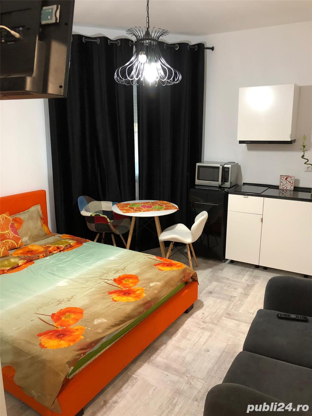 Regim hotelier,Romană , lângă Sheraton
