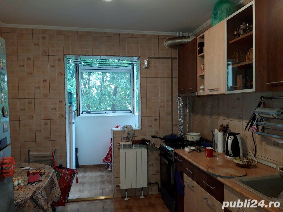 Apartament 3 camere etaj 3-70mp-2 grupuri sanitare -Berceni /Anton Bacalbasa