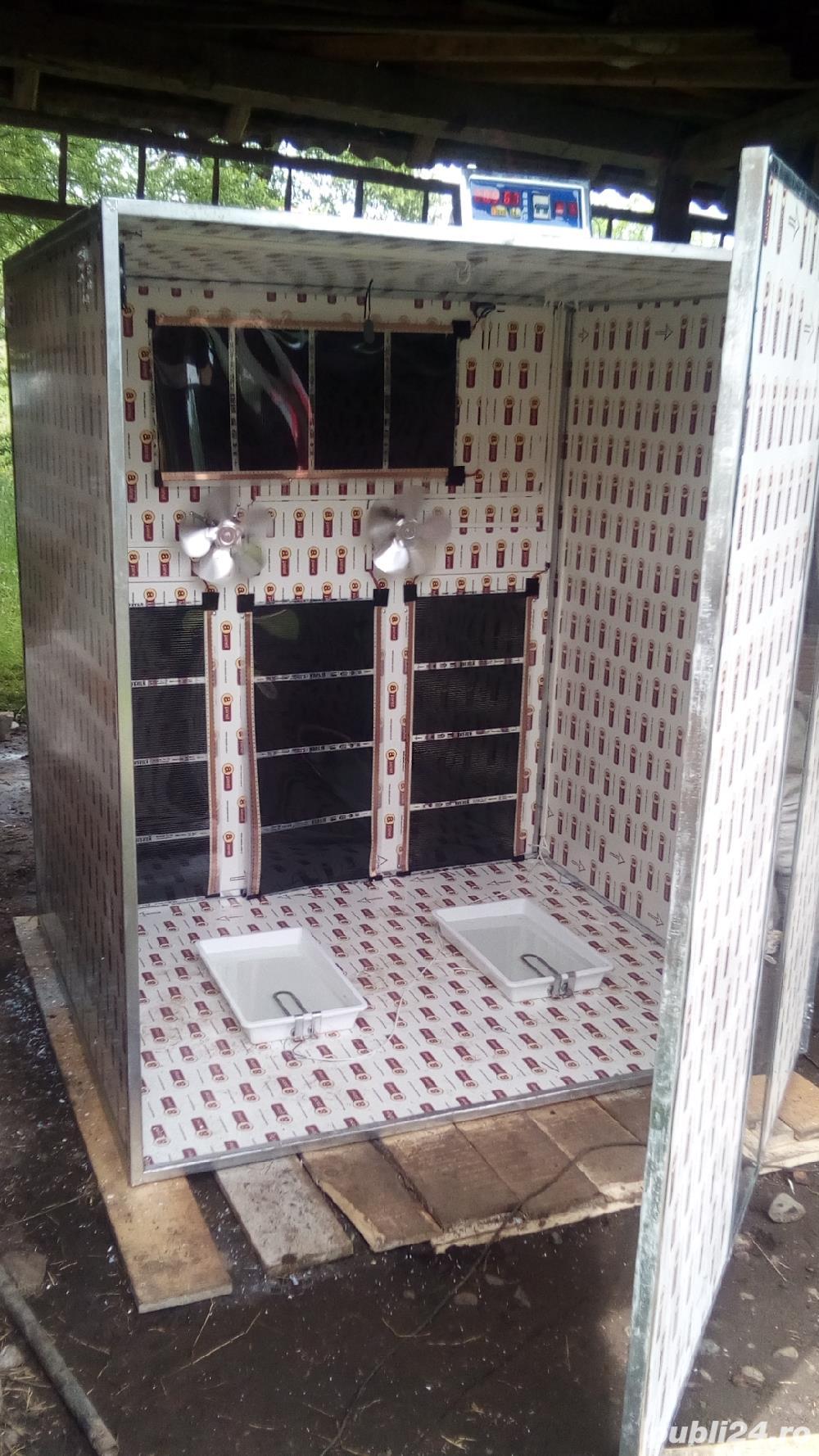 Incubator 1000 oua găină automat