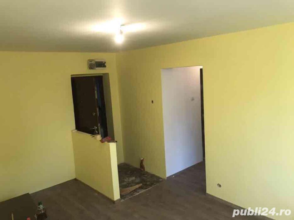 Vand apartament 2 camere cf 2 decomandat