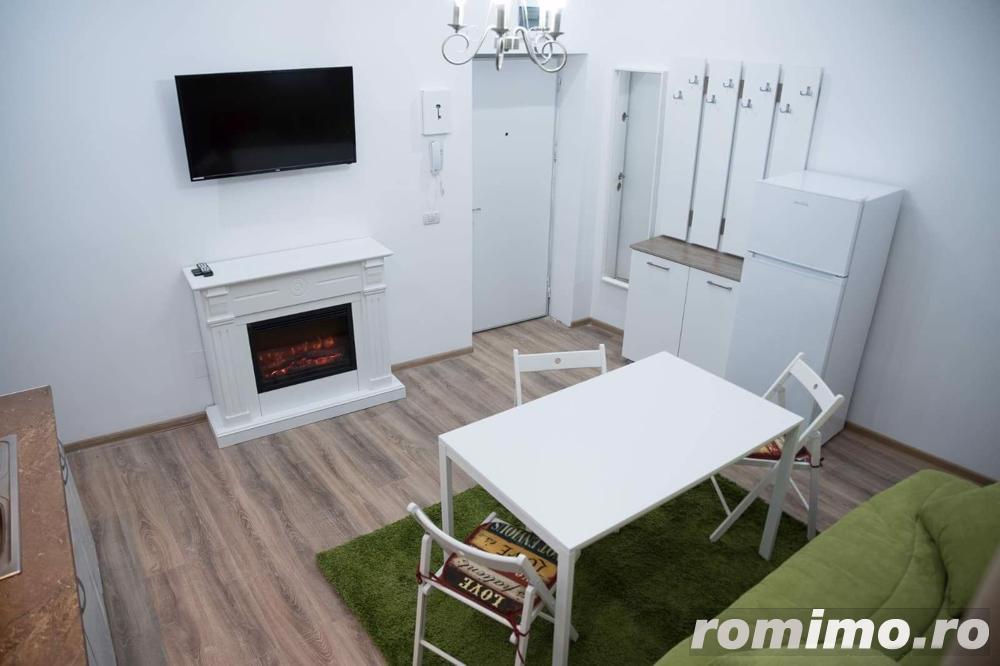 Casă / Vilă cu 21 camere de vânzare în zona Cismigiu