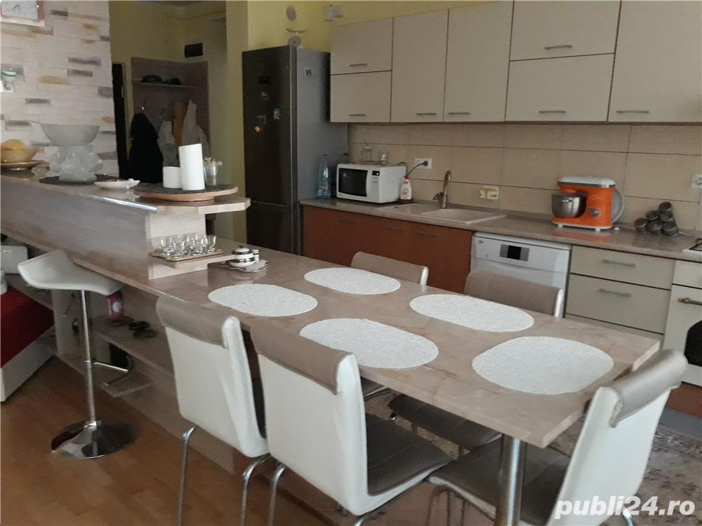 vand apartament in Sinaia