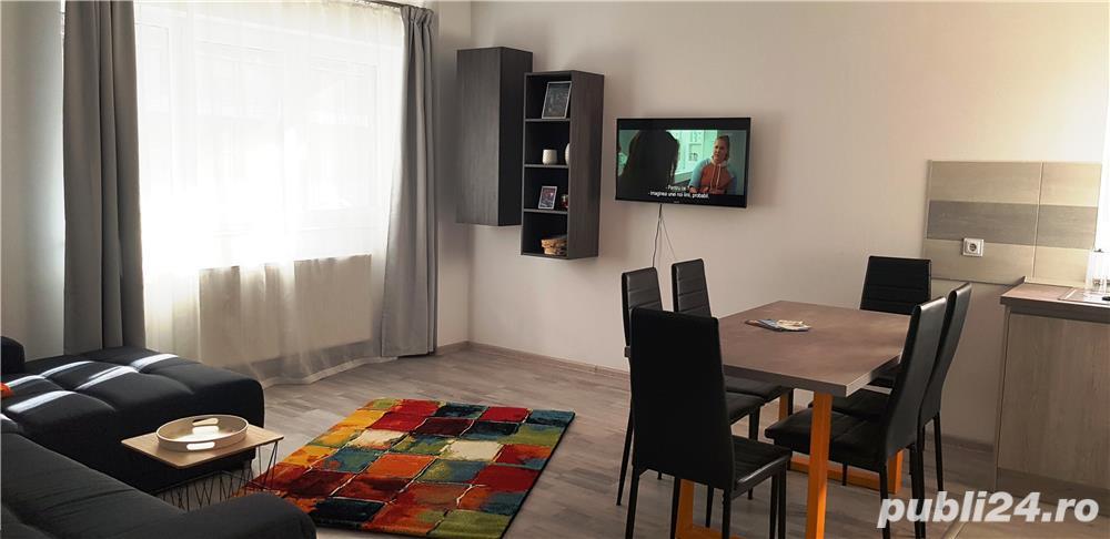 Cazare apartament 3 camere in regim hotelier - 6 persoane