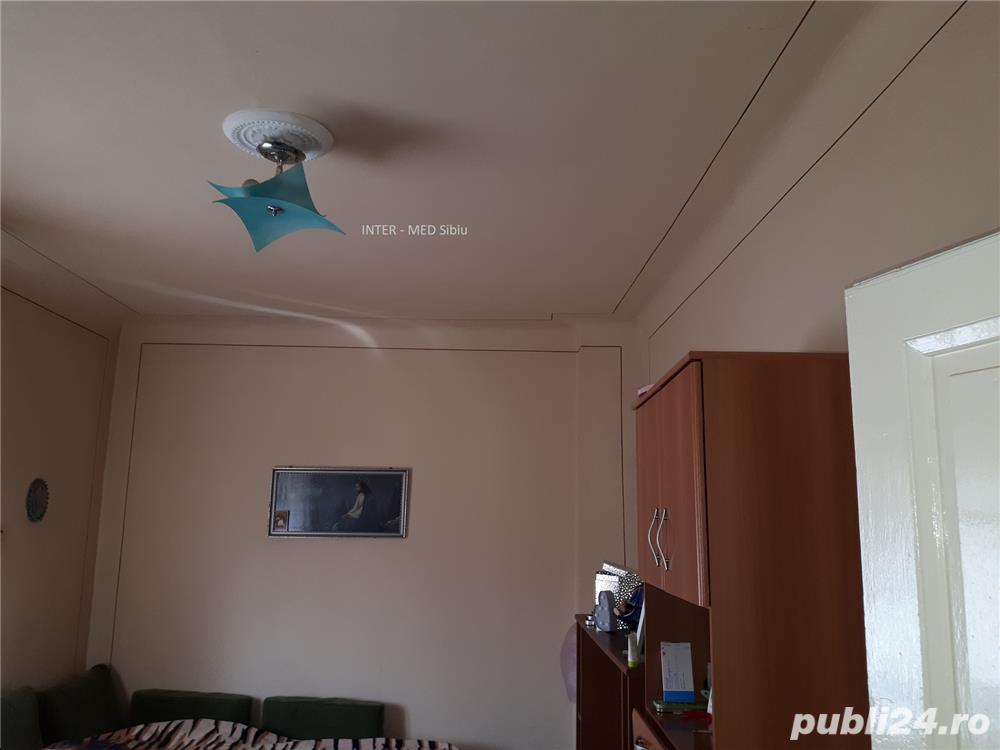 Apartament Sibiu 3 camere la casa P-ta Cluj cu garaj