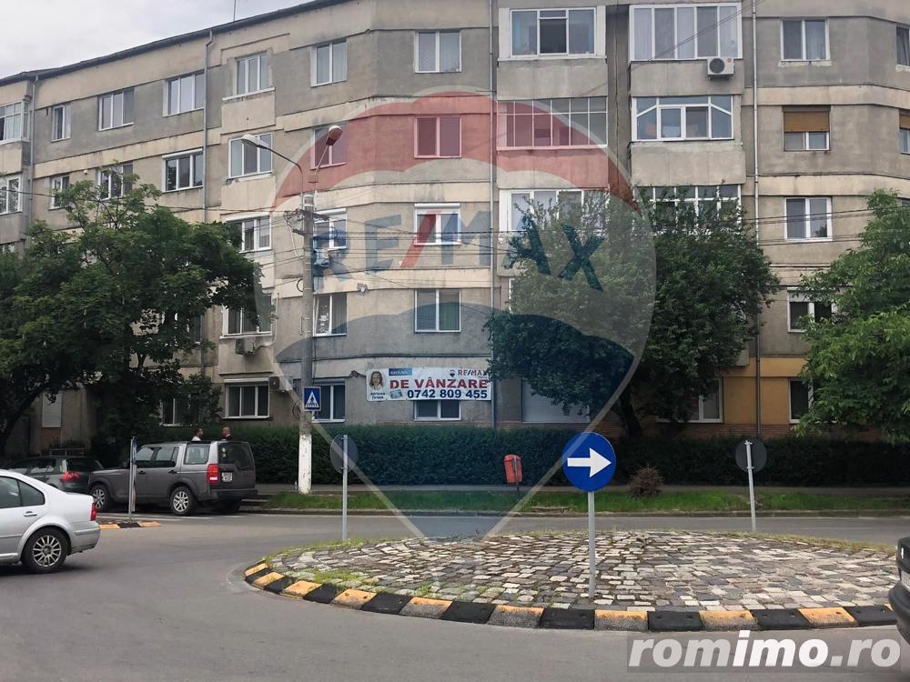 Apartament 4 camere,parter, ideal pentru spatiu comercial, Rogerius