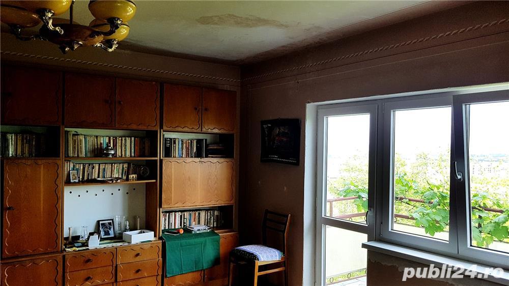 Apartament in casa zona Roata Norocului