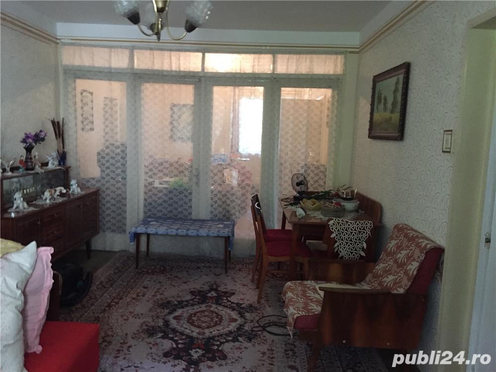 Apartament 4 camere Bulevard, zona Complex, etaj 3