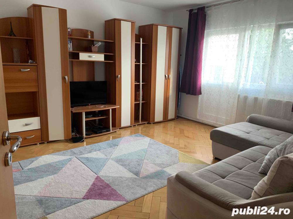 Apartament 3 camere, decomandat, zona Sagului - Dambovita