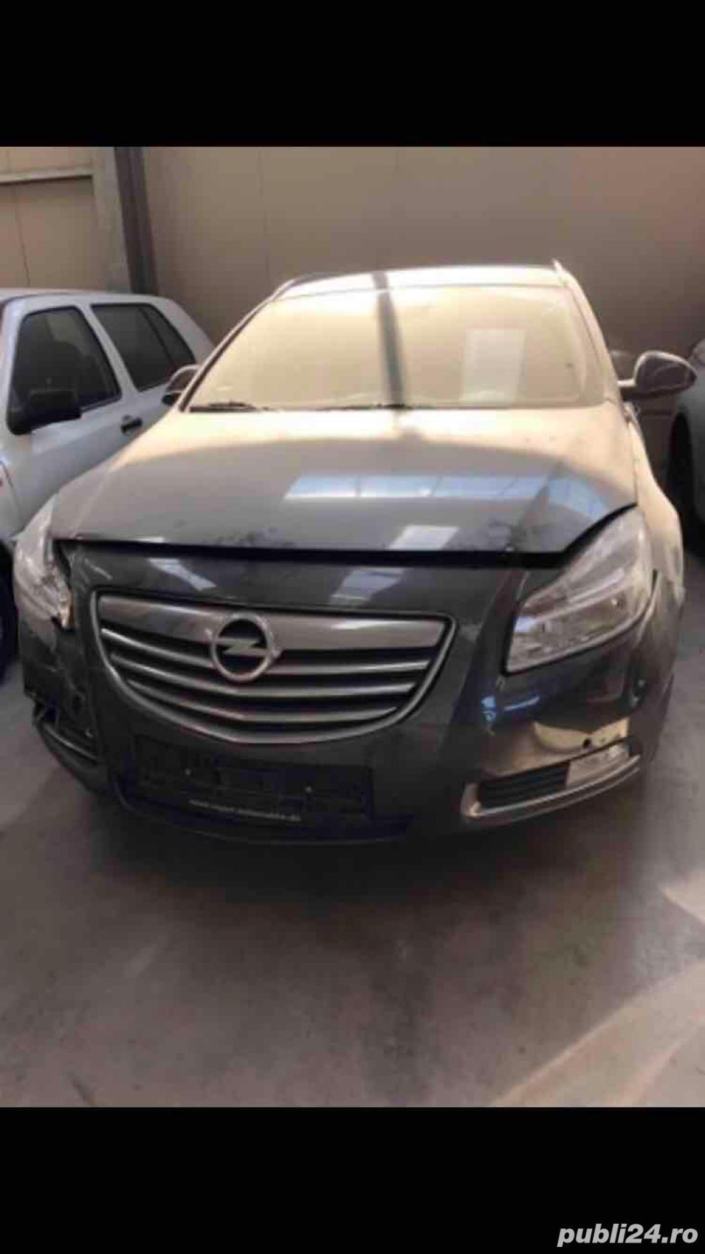 Dezmembrez Opel Insignia Sports Tourer motor 2.0 cdti 160 cp A20DTH