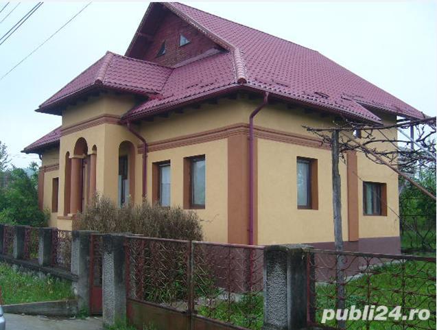 VAND CASA – VILA P+M  Propietar,vând imobil (parter, mansardă), recent consolidat şi renovat, având
