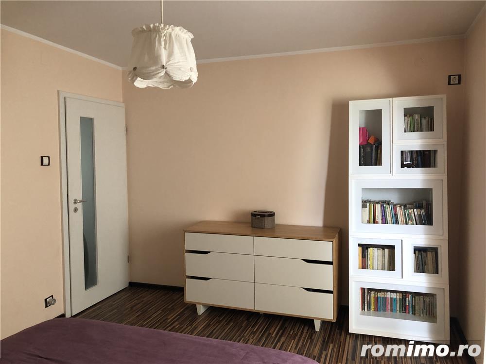 Proprietar inchiriez apartament 3 camere zona Lunei