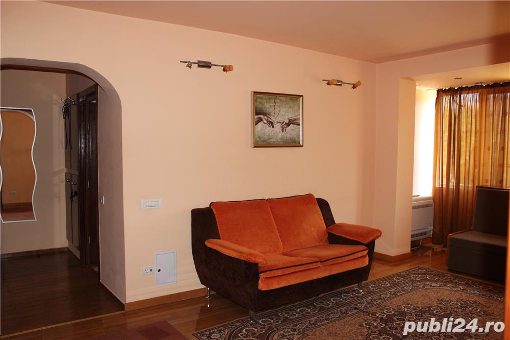 inchiriere termen lung, 2 camere Spital - Tomis 1 , 299 euro