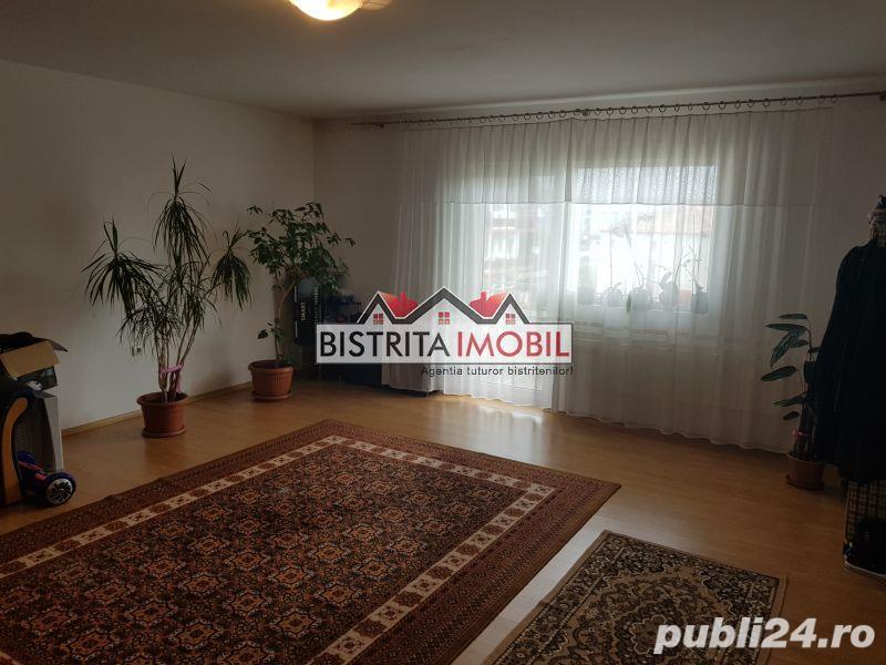 Apartament 3 camere, zona V.P.Predescu, sup.102 mp, decomandat, finisat