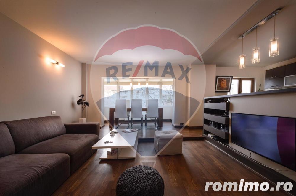 Apartament cu 4 camere de vânzare în zona Girocului