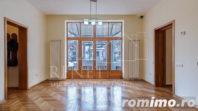 Apartament nemobilat 190 mp - cu acces separat - Piata Victoriei