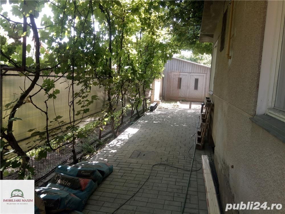 Imobiliare Maxim - casa singur in curte, zona Calea Poplacii
