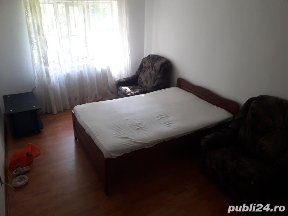 Apartament 3 camere decomandat Mall