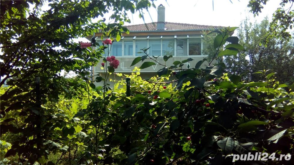 """Vila familiala /investiție,langa DN1,central,dar verde """"ca la tara'':) 6 camere P+1+P mansardabil,"""