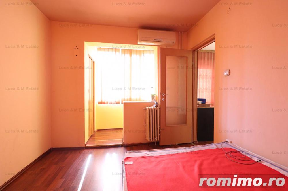 Apartament 3 camere, etaj intermediar, zona Girocului