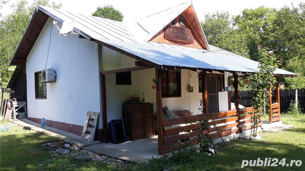 Casa de vanzare cu teren 2350mp
