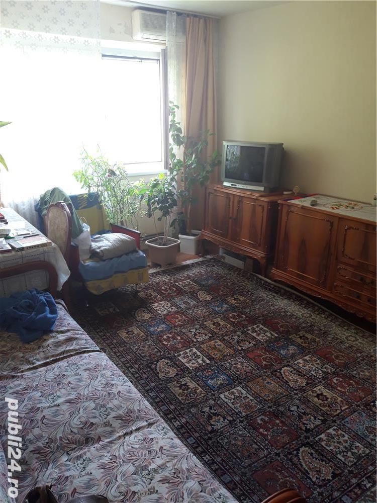 Vand apartament cu 3 camere zona  Sagului-Kaufland