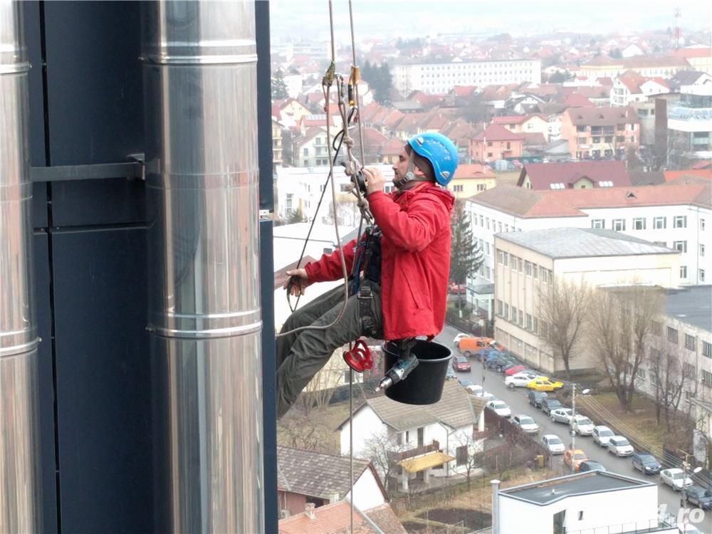 S.C. angajeaza alpinist utilitar