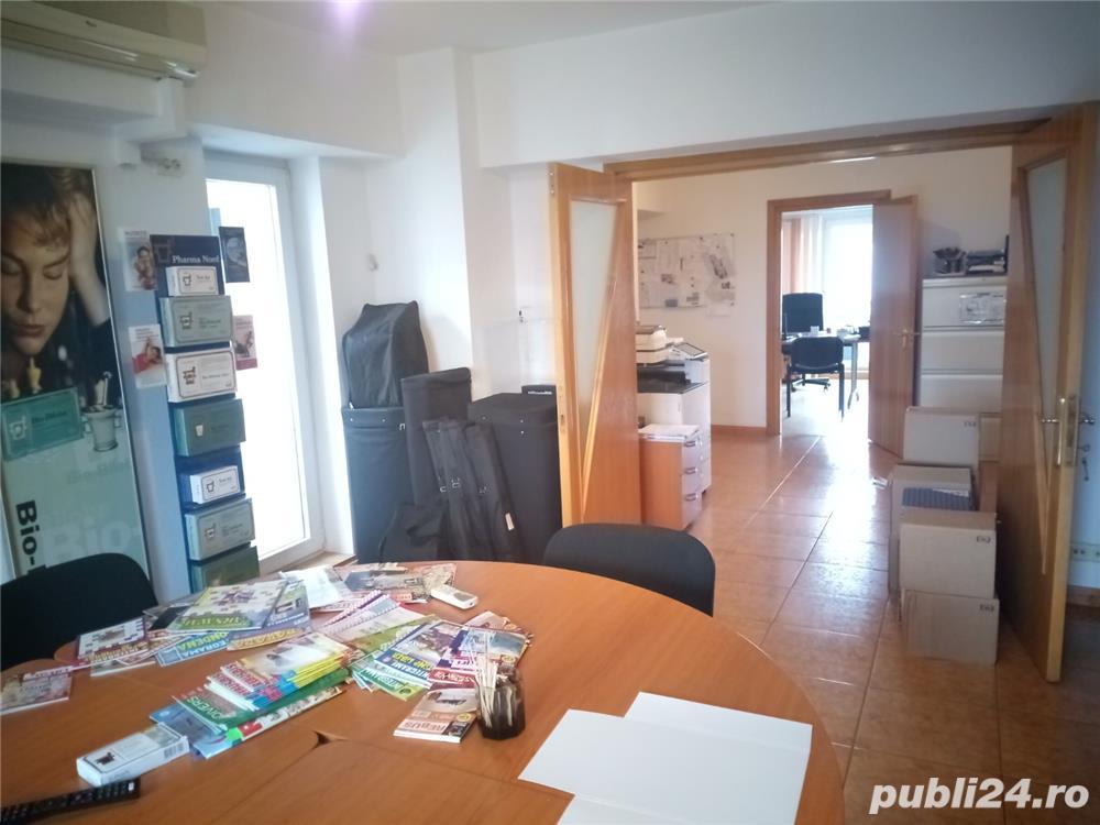 Apartament cu 4 camere,zona Piata Unirii-metrou
