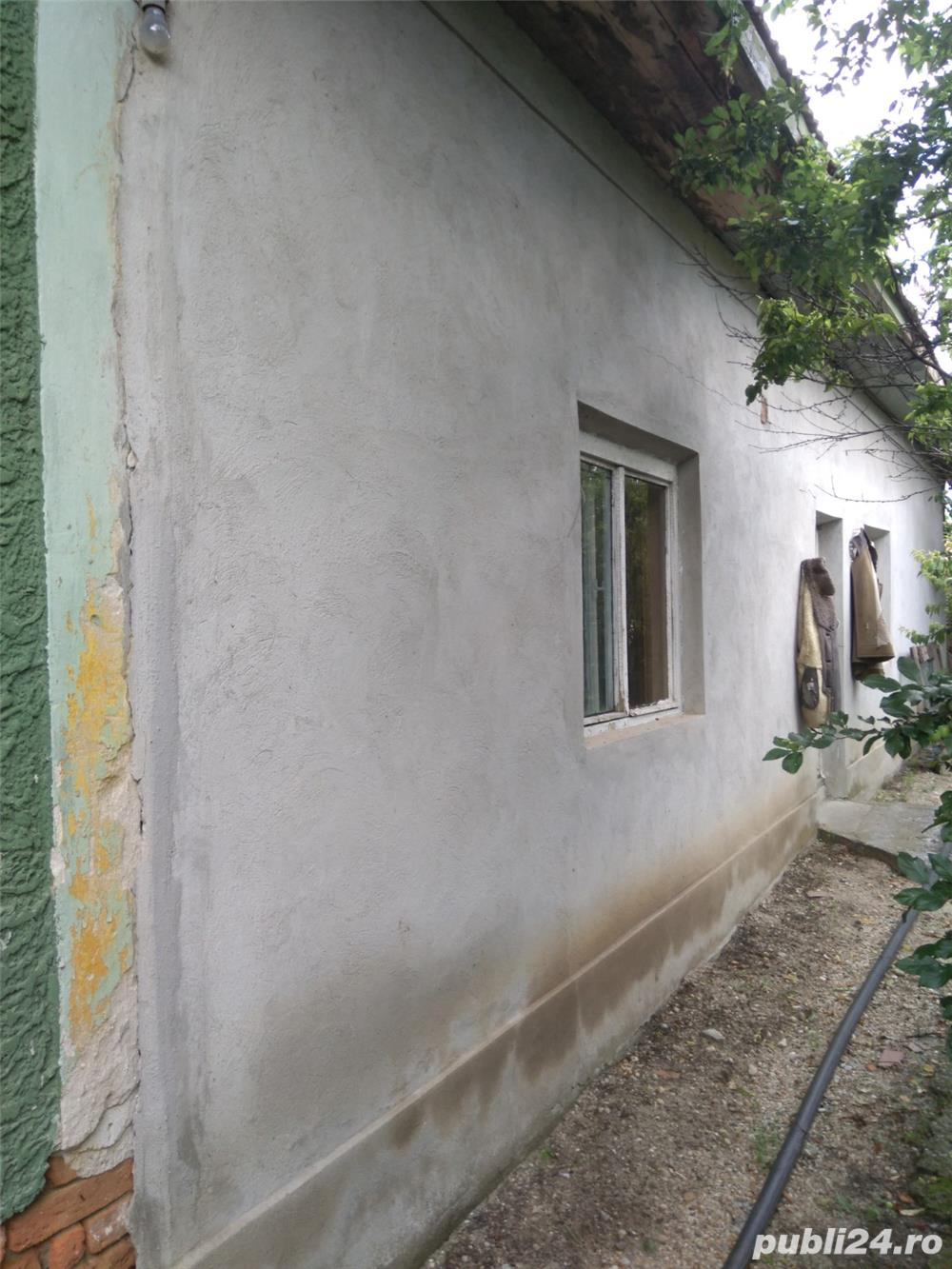 Casa taraneasca 5 camere de vanzare