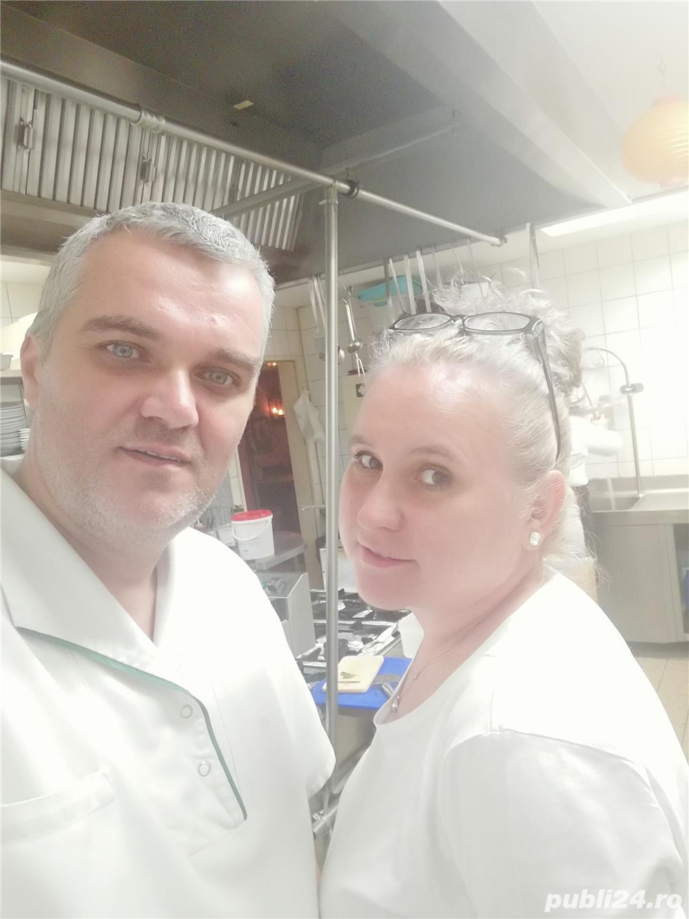 Cuplu căutăm job ca:Bucătar, Ajutor Bucătar, sau Pizzar, în  Strainatate.