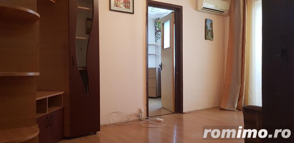 Apartament cu 2 camere de vânzare în zona Km 4-5,gaze la usa.