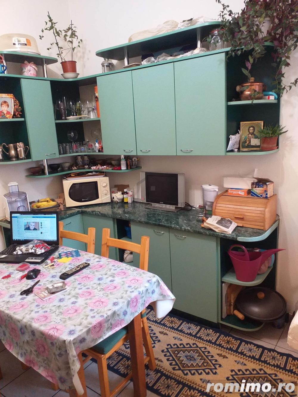 Apartament 3 camere  în zona Cosbuc/Rond