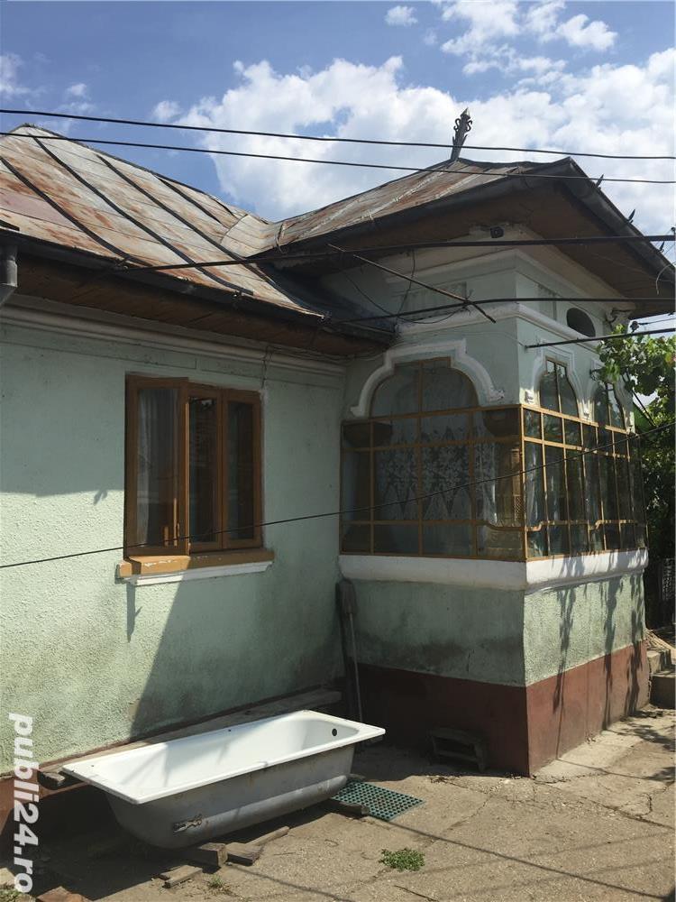 Casa mobilata si utilata, cu 10000 mp teren, com.Stefanesti
