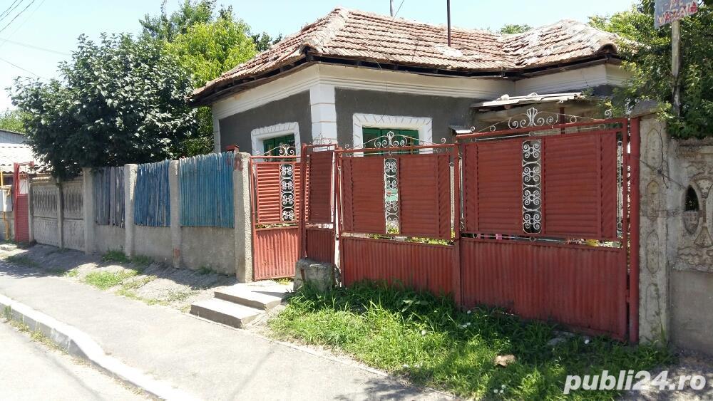 Casa veche pe strada primăverii nr 32