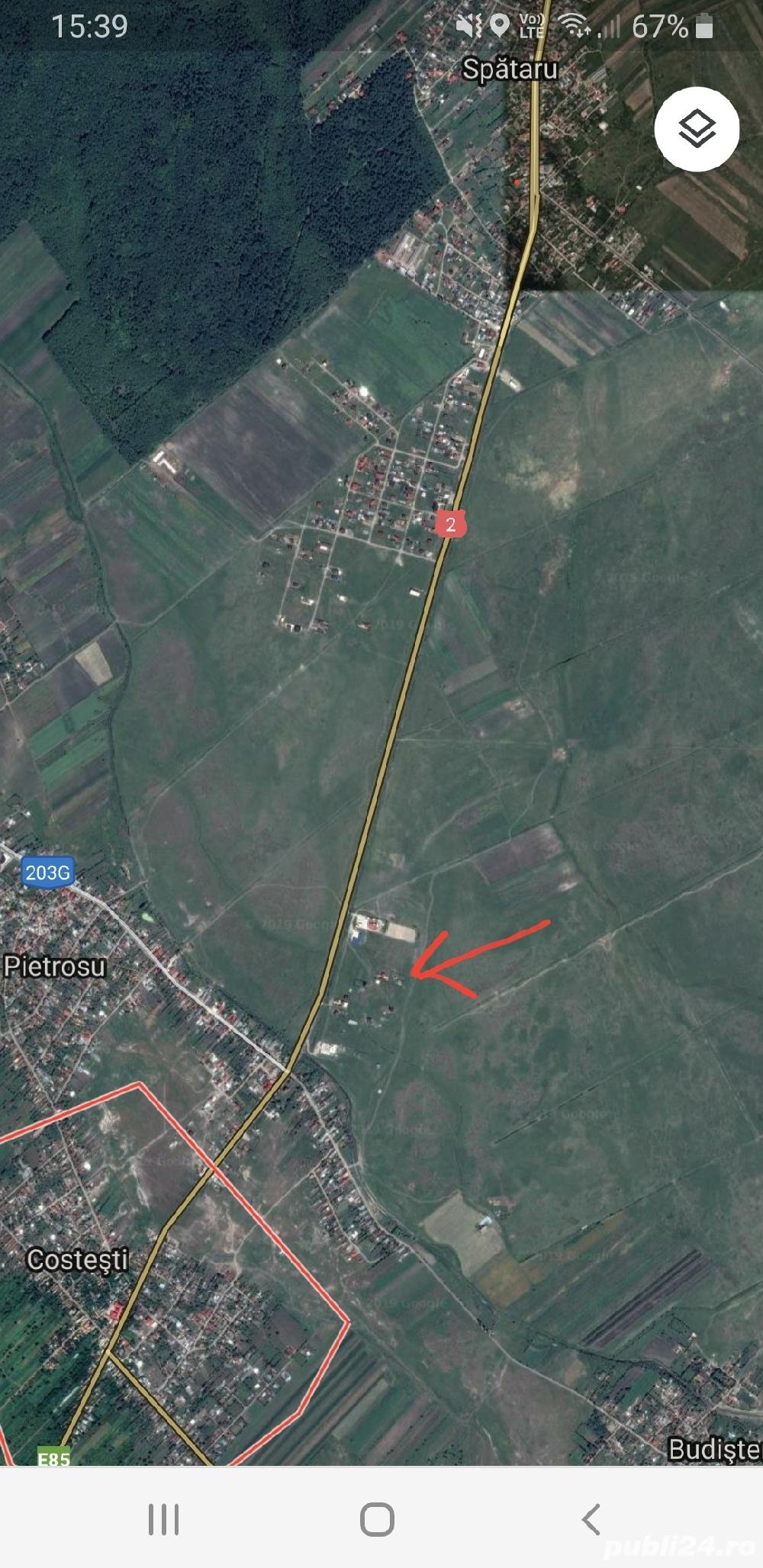 Loc de casă între Spătaru și Costești