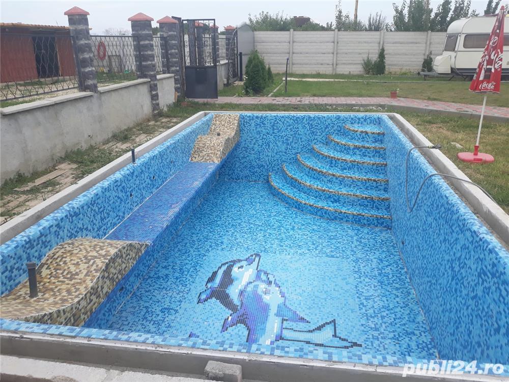 Vila zona C.Sintandrei , SC 384 mp , teren 2600 , la rosu , piscina , gas , apa , canal in derulare
