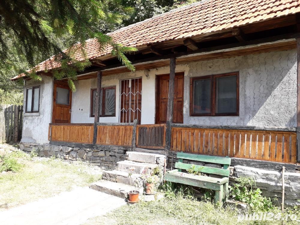 Vand casa si teren la munte la 5 km de Sinaia